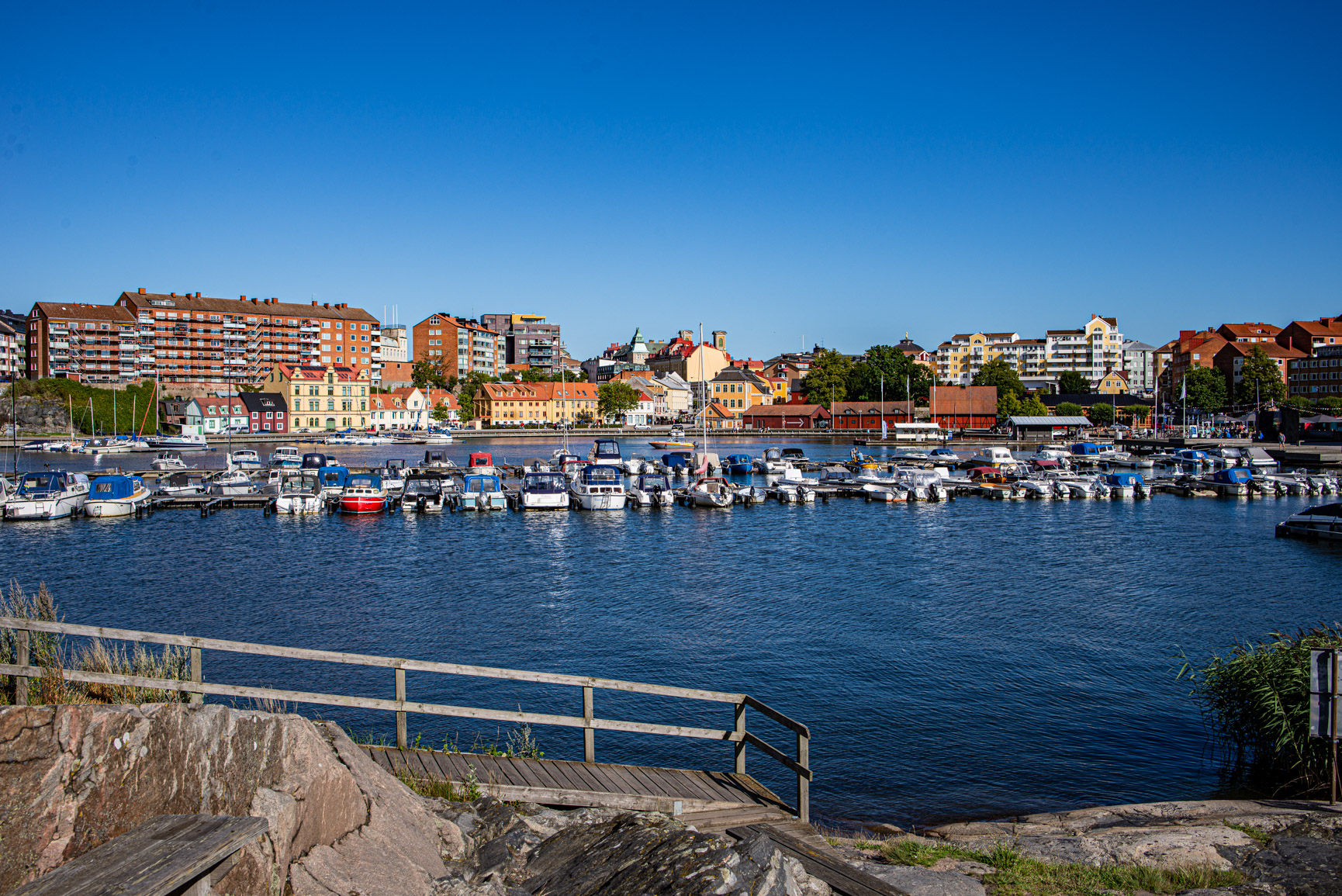 småbåtshamnen i Karlskrona vid fisktorget